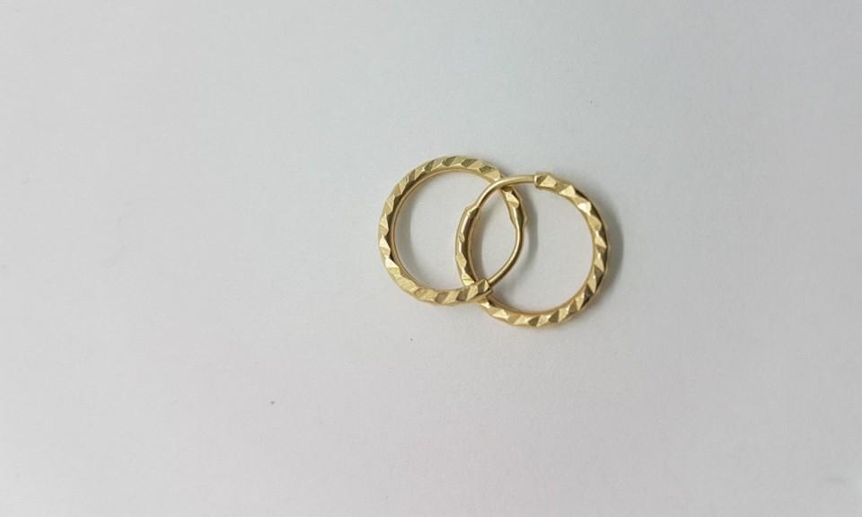 עגילי זהב חישוק
